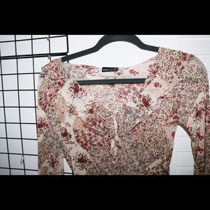 ruffled floral wet seal blouse!!